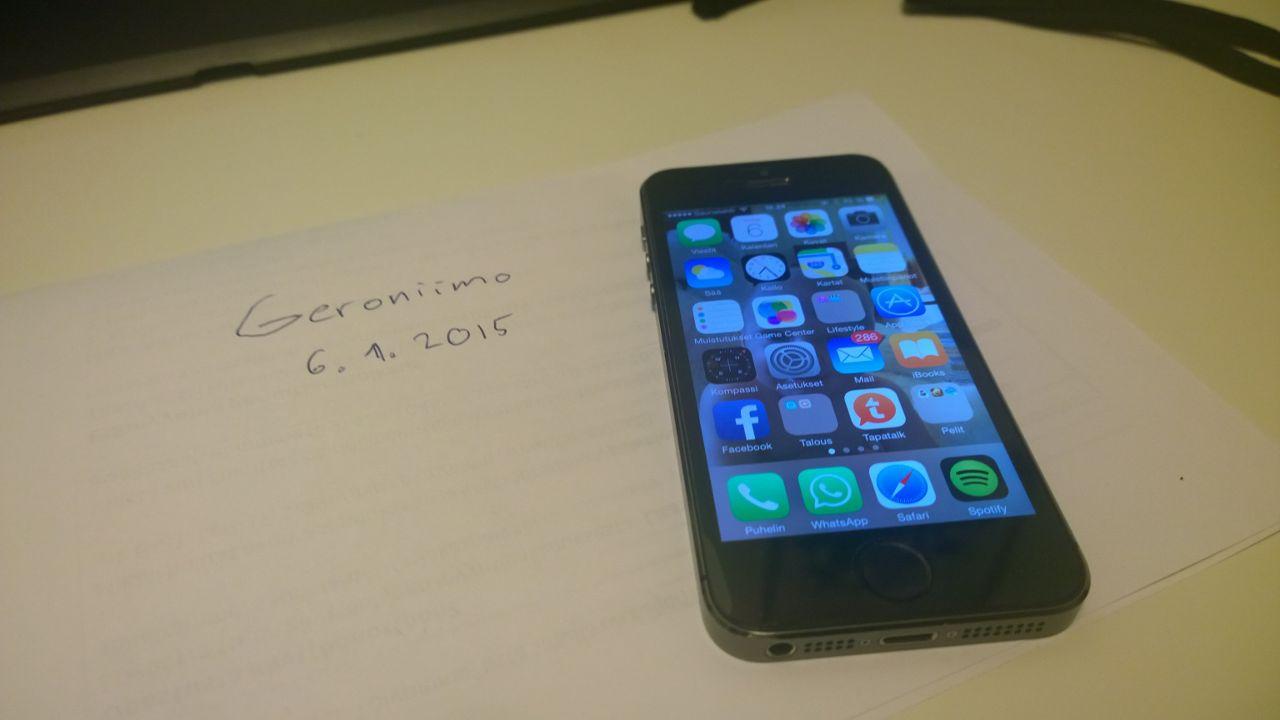 iphone päällä.jpg