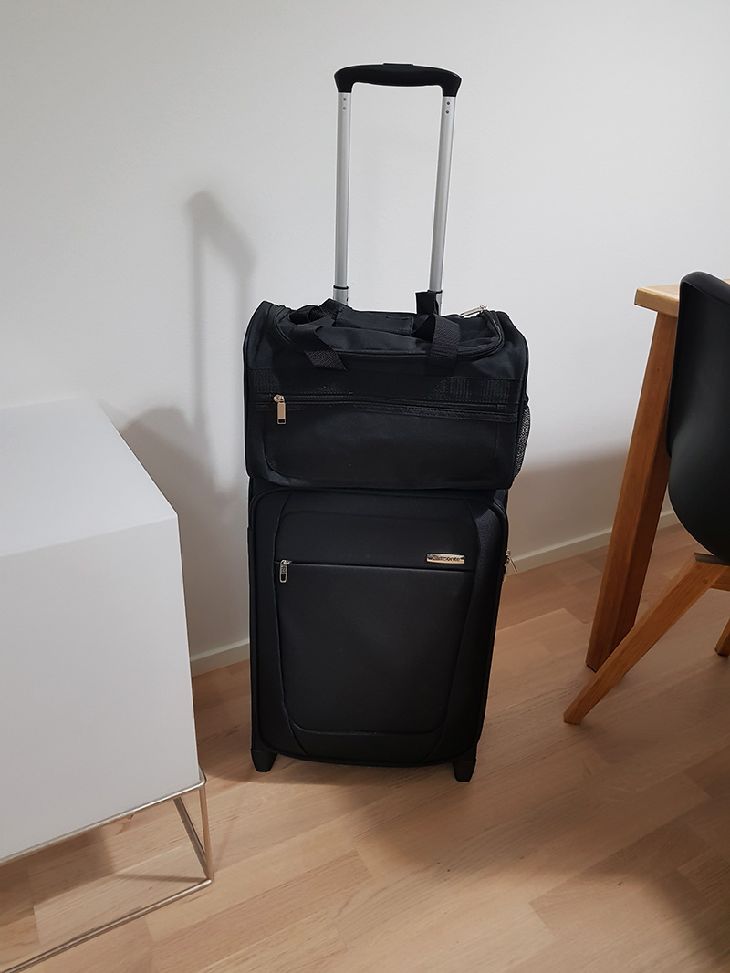 Ryanair Ruuma Laukku : Ostoksia osa ei puhelimia tai mobiililaitteita page